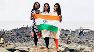 Beauty Queens Wear Traditional Outfit To Celebrate India | Independence Day