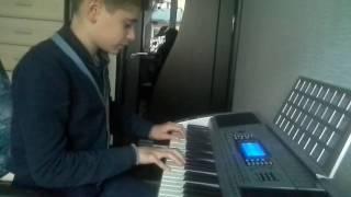 """Играю на синтезаторе """" Чарльстон"""""""