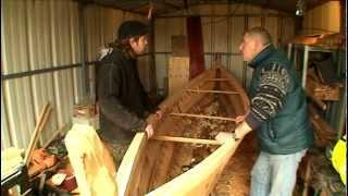 Fabrication artisanale d'un bateau à clin viking ou drakkar pour le film 911-2011