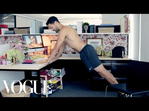 How to Work Out Like a Male Model at the Office