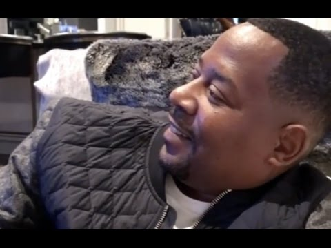 """Martin Lawrence """"Clowning Steve Harvey While Watching Family Feud"""""""