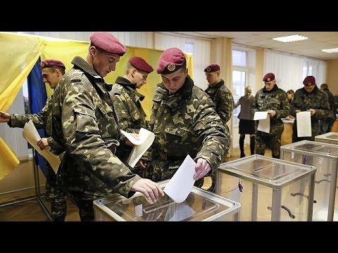 Украина: досрочные выборы в Верховную раду начались