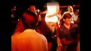 Repeat youtube video Bordeaux Rouge dans Une Glace avec Deux Boules (Superbiester)