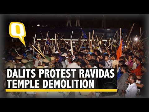 Dalits Protesting Ravidas Temple Demolition Lathi-charged by Police in Delhi | The Quint