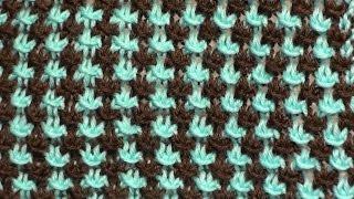 Узоры спицами. Цветная сеточка(Если вам понравился этот видео урок, то остальные уроки (видео курс) школы вязания на спицах