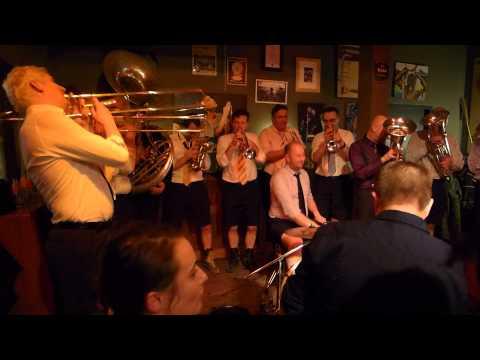 Brassband CHPQ in Café FORUM, Maastricht, 9 maart 2013
