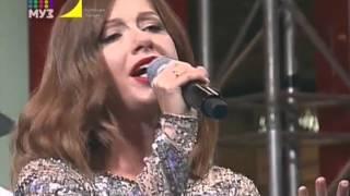 Джиган и Юлия Савичева — Любить больше нечем (Live) (Муз-ТВ [Горячая линия])