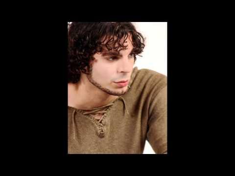 Daniel Carrarini canta Losing My Religion