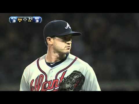 Gearrin's MLB debut