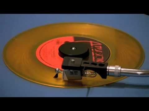 yes-roundabout-45-rpm-short-version-wabcradio77