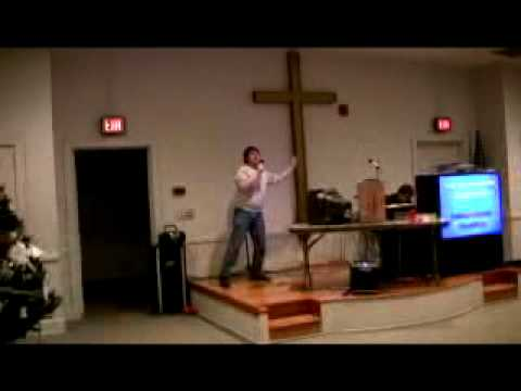 "BOHEMIAN TRAVESTY: Chris Knight does ""Bohemian Rhapsody"" karaoke"