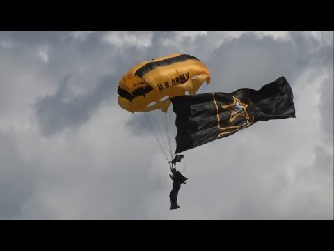 2017 Northeastern Pennsylvania Airshow - US Army Golden Knights