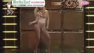 GOLA NATASA BEKVALAC - provokativan nastup na Pinku (PRVA U PICU).mp4 thumbnail