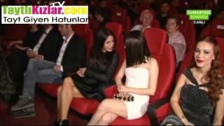 Tuğba Özerk Göğüs Bacak Show Cumartesi Sürprizi Video