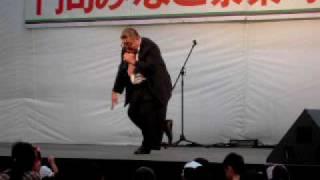 地元出身の芋洗坂係長が、門司みなと祭りでお笑いライブ!