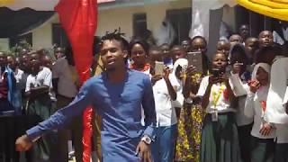 Dogo Janja karudi Makongo High School