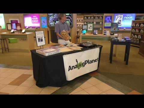 "AnalogPlanet.com Editor Michael Fremer Speaks at Barnes & Noble's ""Vinyl Day"" Event"