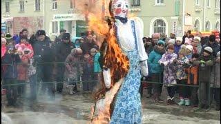 Карталинцы с блинами и огоньком проводили Зиму!