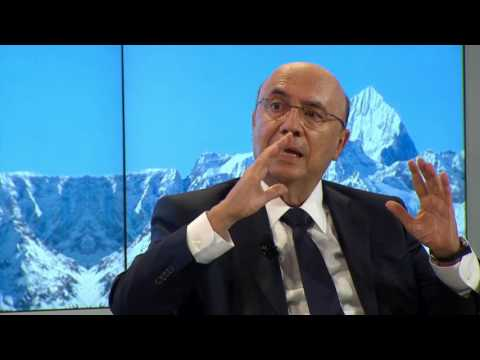 Davos 2017 - Squeezed and Angry: How to Fix the Middle-Class Crisis
