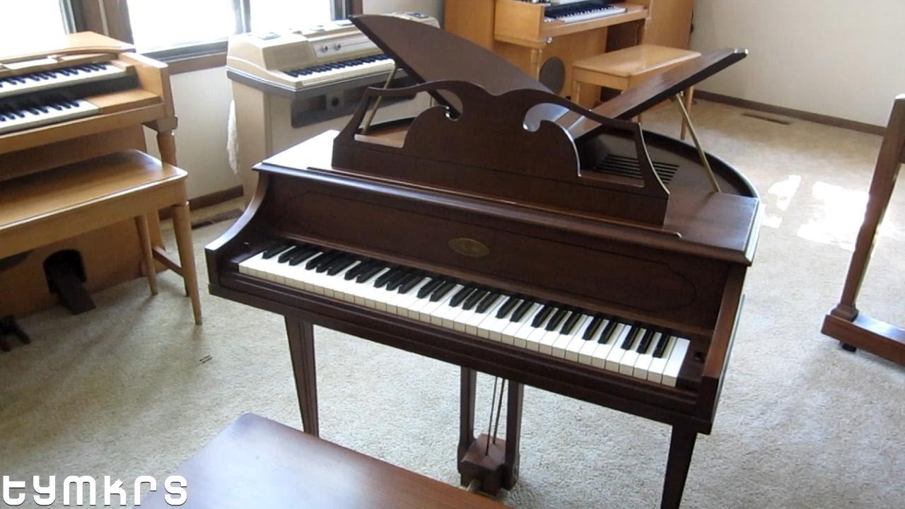 wurlitzer baby grand piano value