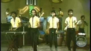 RICKY & ORISON Orq. VOLTAJE (video 80's) - Usted Conoce Algun Sitio Por Ahi