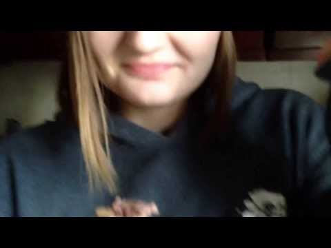 Girl becomes another girl's pet after losing in a betKaynak: YouTube · Süre: 1 dakika58 saniye