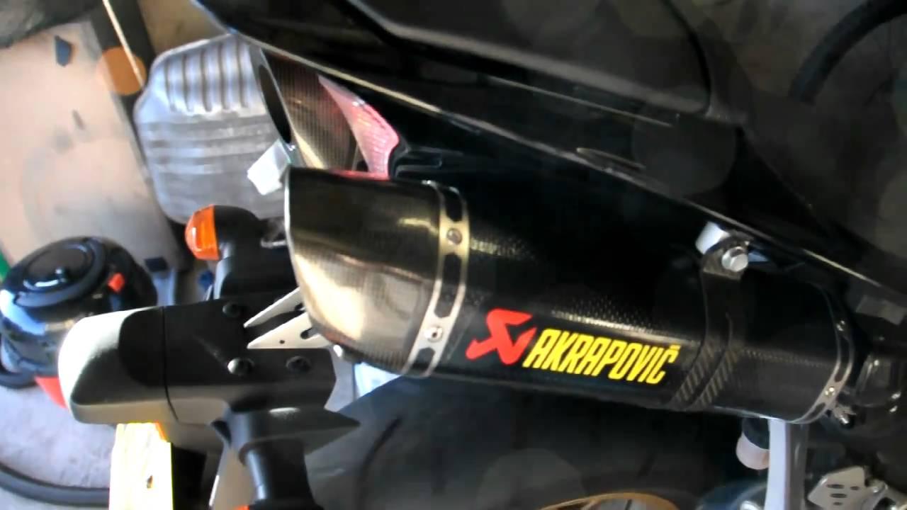2010 yamaha r1 akrapovic exhaust