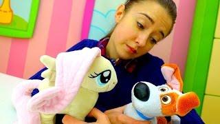 Видео с игрушками: Литл Пони на прогулке