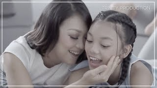 Naura & Nola - Sahabat Setia | Official Video Clip