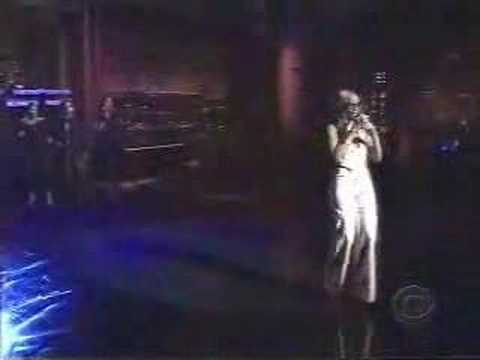 Mary J. Blige- Enough Cryin' (Live)