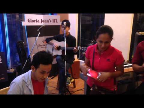 Gloria Jean's Live Performance - Huy Sophanna