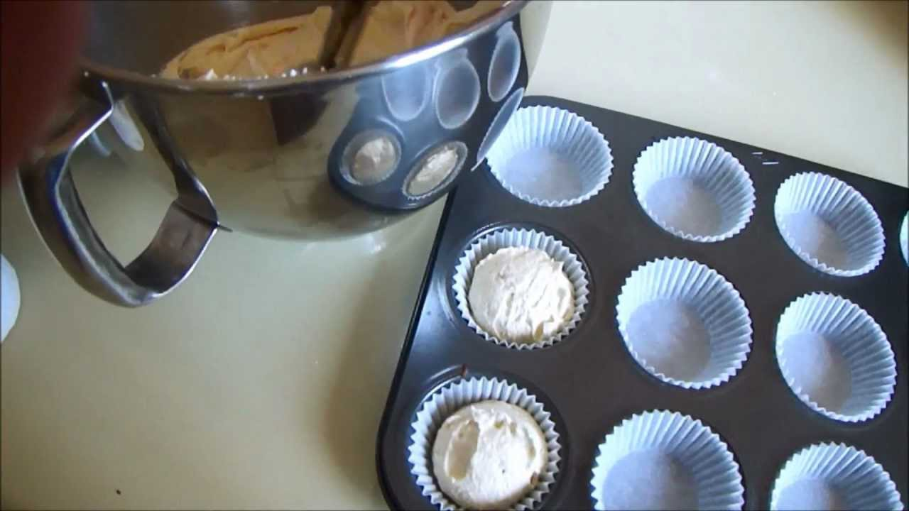 How To Make: Basic Vanilla Cupcakes