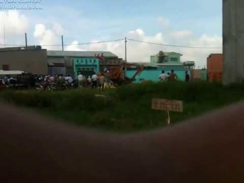 Đập phá nhà tại ấp 1B Xã Vĩnh Lộc B Huyện Bình Chánh đg Bến Lội