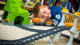 TOY TRAINS EZ Play Railway Train Crossing Toys Fisher-Price Toy Review for Kids Kinder Playtime