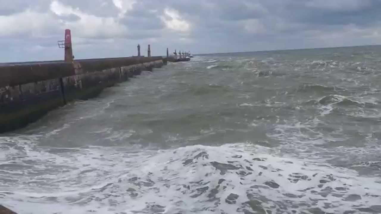 Mer Du Nord Agit E L 39 Entr E Du Port De Dunkerque Youtube