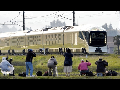 Japan Launches New Boutique Luxury Train