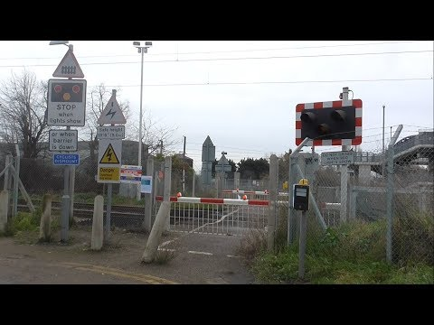 Manor Way Level Crossing