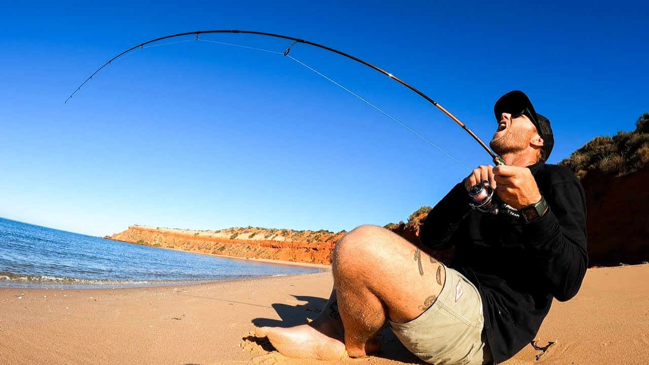 SOLO HUNTING FOR FOOD - HUGE FISH tiny rod - REMOTE AUSTRALIA. EP 70