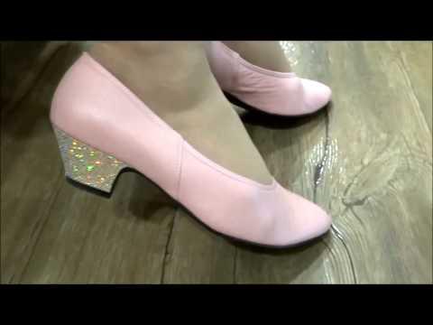 ピンクのローヒール・オーダーシューズ柔らかい革のパンプスモニターさんご感想