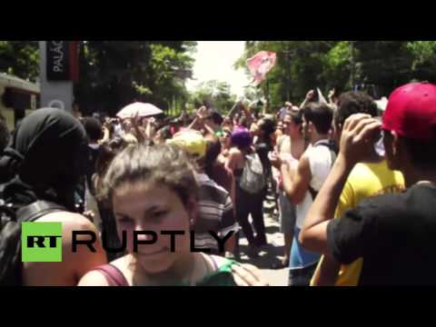 Brazil: Clashes erupt in Sao Paulo as students protest proposed education reforms