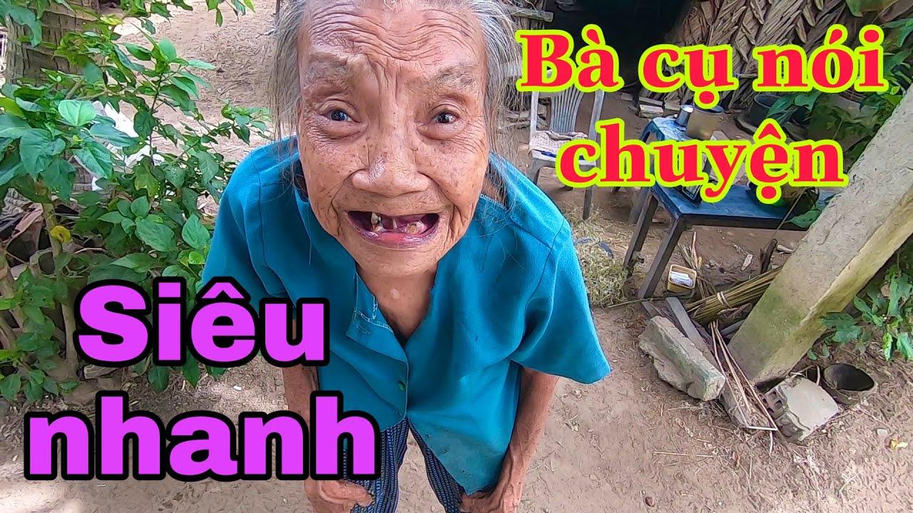 Cười bể bụng với cách nói chuyện có một không hai của bà cụ 80 tuổi chuốt cộng dừa mưu sinh