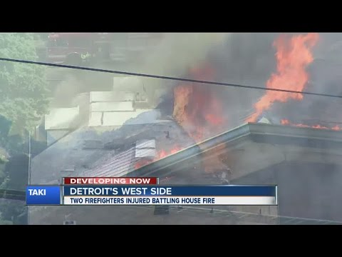 2 Detroit firefighters injured battling fire