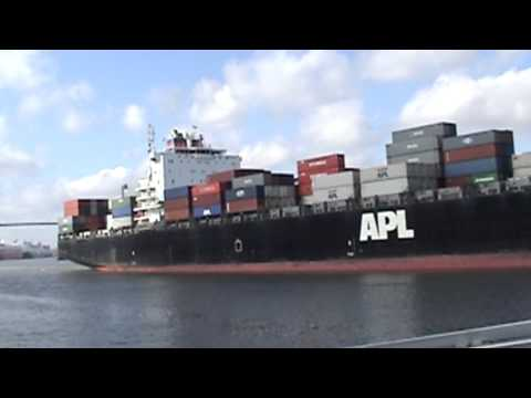 Savannah River Container Ship APL Malasia
