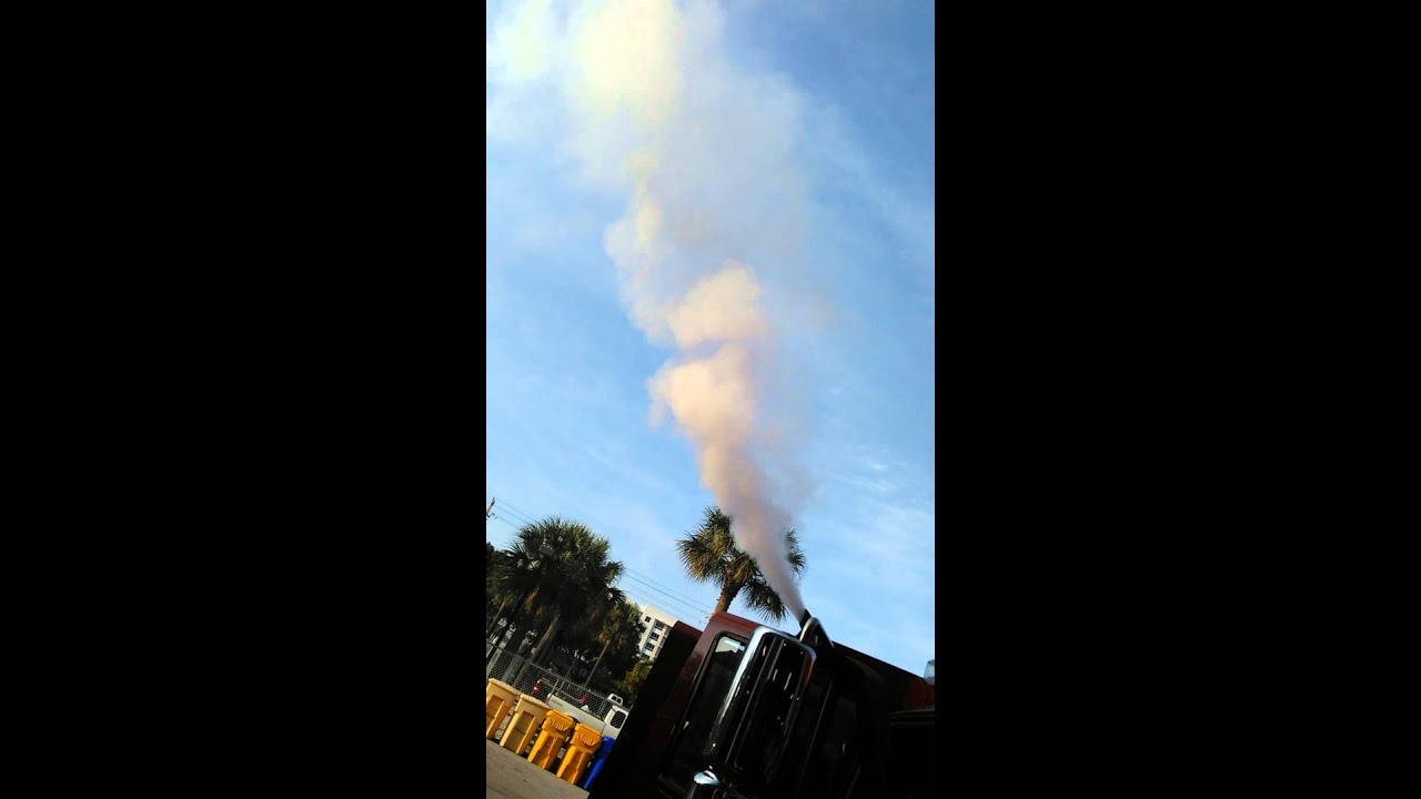 International Harvester V8 blowing white smoke