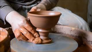 Выкручивание кубка на гончарном круге. Unscrew the Cup on a pottery wheel.