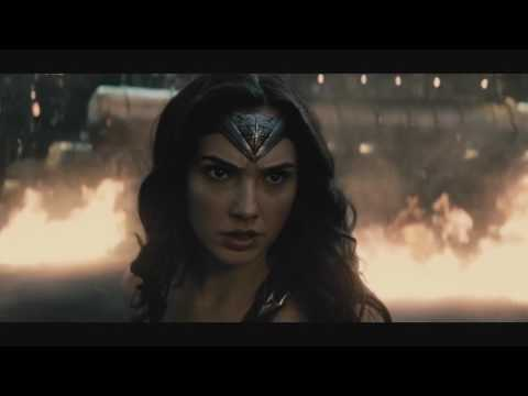 wonder-woman-and-doomsday-fight---batman-vs-superman
