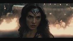 Wonder Woman and Doomsday Fight - Batman vs Superman