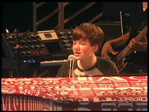 GREYSON  CHANCE  Waiting Outside The Lines 2011 LiVe