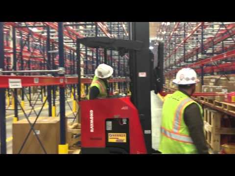 Stand up forklift in small aisle