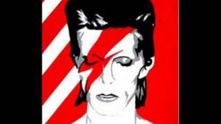 Watch David Bowie Starman video